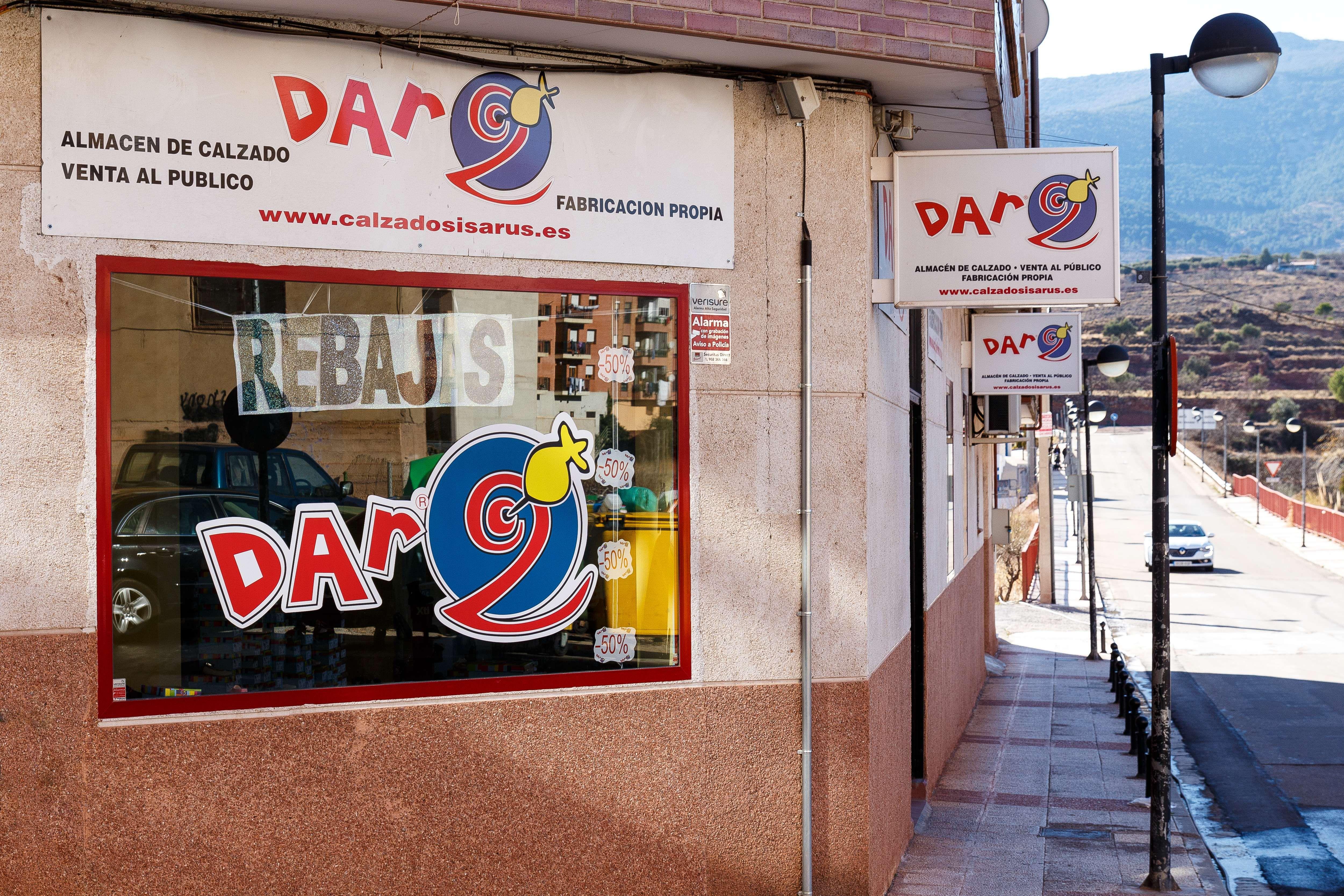 Zapatería juvenil en Illueca