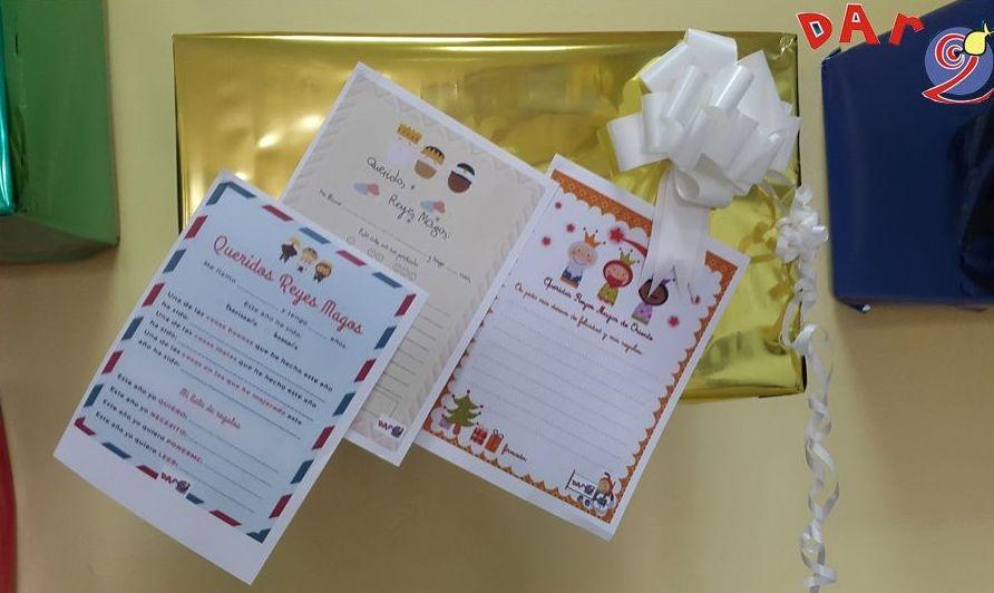 Niñ@s parece ser que los Reyes Magos ya nos han dejado las cartas en la tienda para que les escribáis.Corred!!, ahí tres modelos diferentes muy chulis! Recordad que estaremos abiertos durante el fin de en nuestro horario habitual!