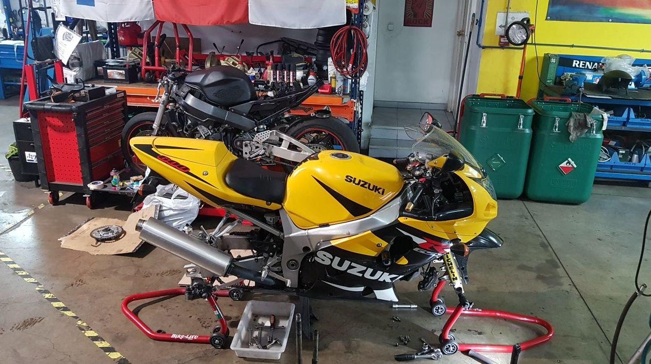 Revisiones y neumáticos para MOTOS