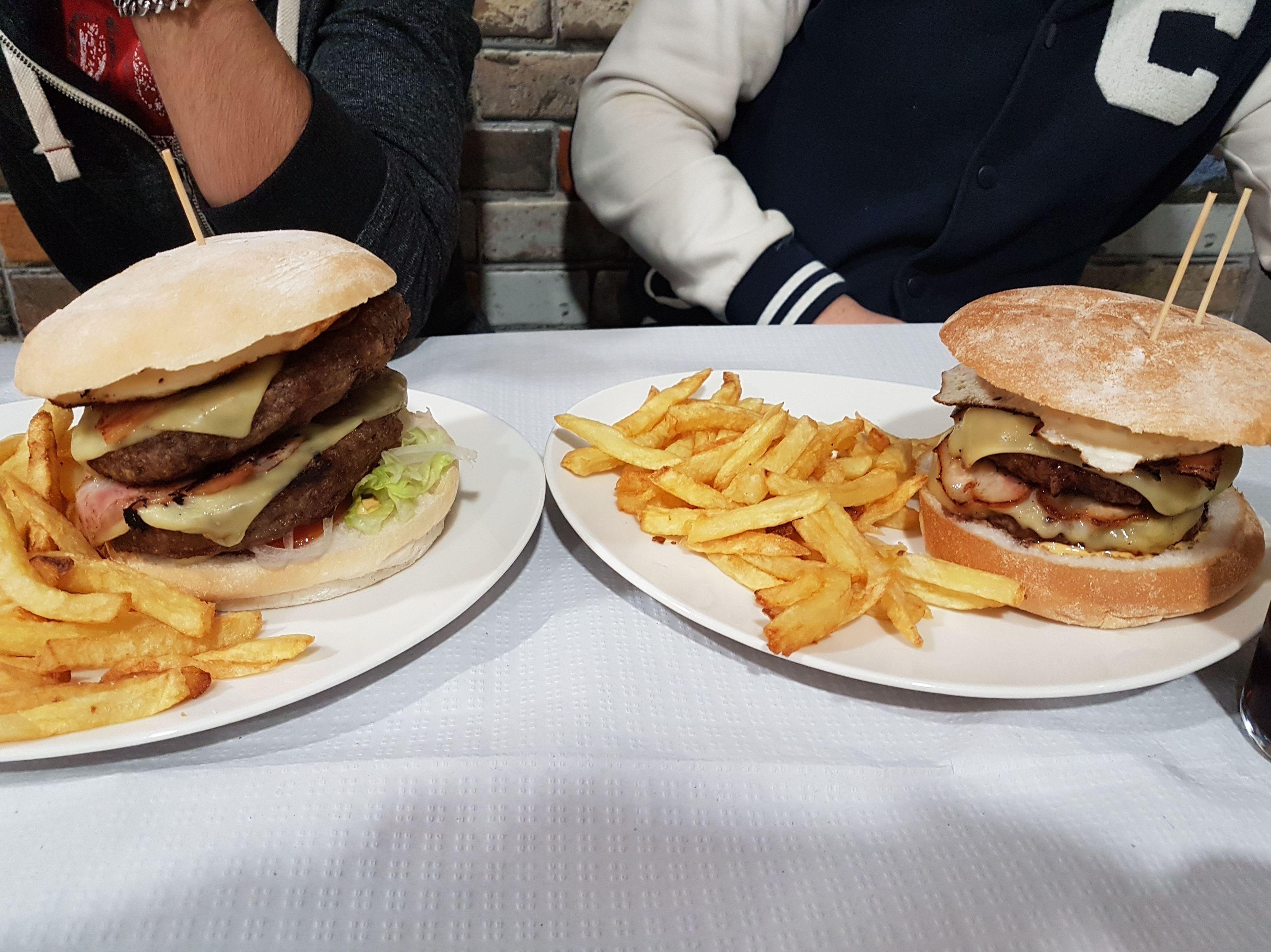 Menú de hamburguesa Doble d Buey a la parrilla!! Para campeones!!!