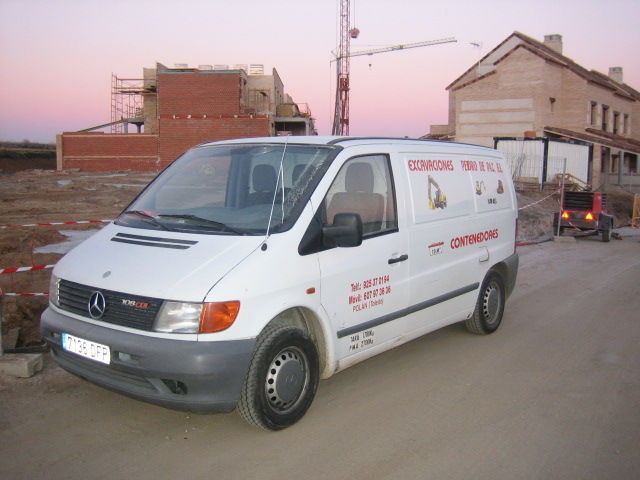 Vehículos auxiliares: Trabajos y Maquinaria de Excavaciones Pedro de Paz