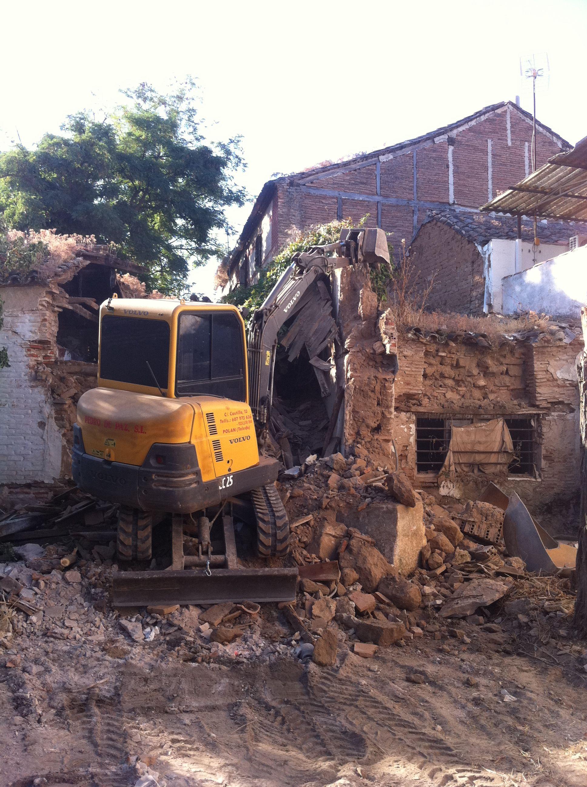Desmontes, derribos y demoliciones: Trabajos y Maquinaria de Excavaciones Pedro de Paz