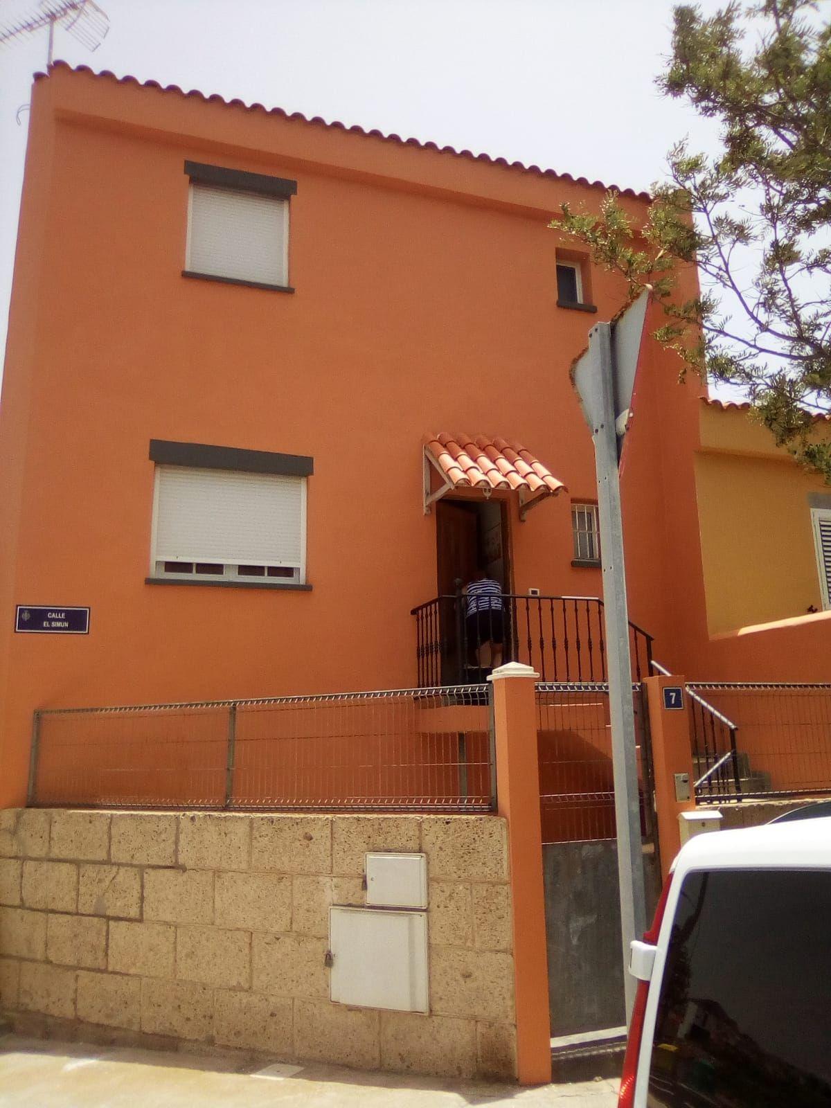 Pintura de fachadas de viviendas en Tenerife