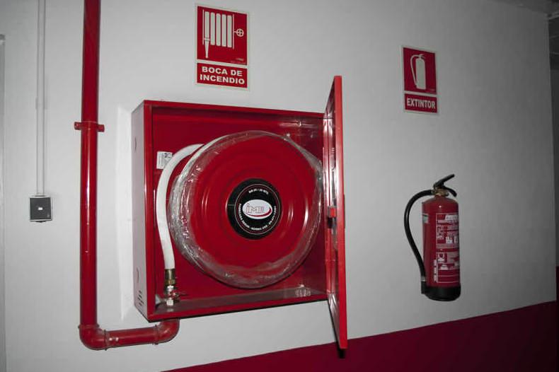 material contra incendios Huelva