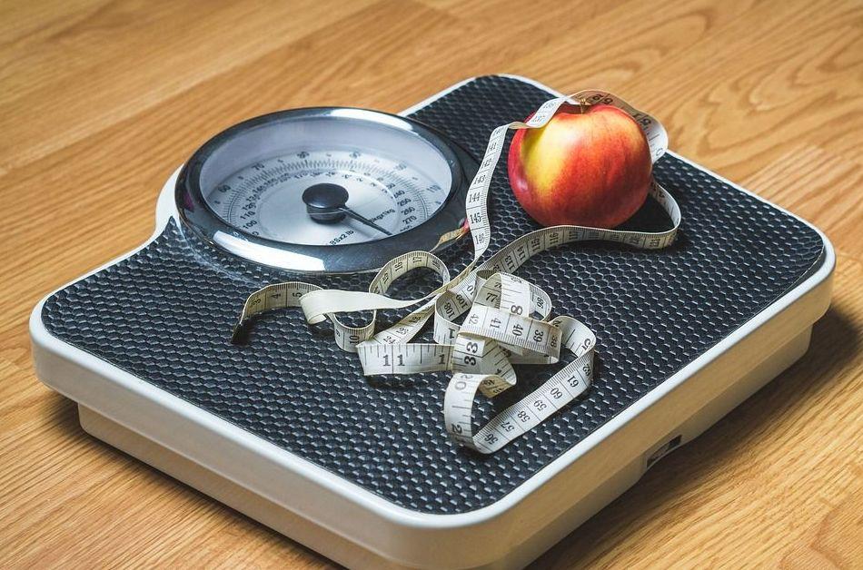 5 razones que te hacen subir de peso y que no tienen nada que ver con la comida
