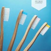 """""""Los cepillos de dientes duros limpian mejor"""" y otros mitos sobre higiene que hay que desterrar ya"""