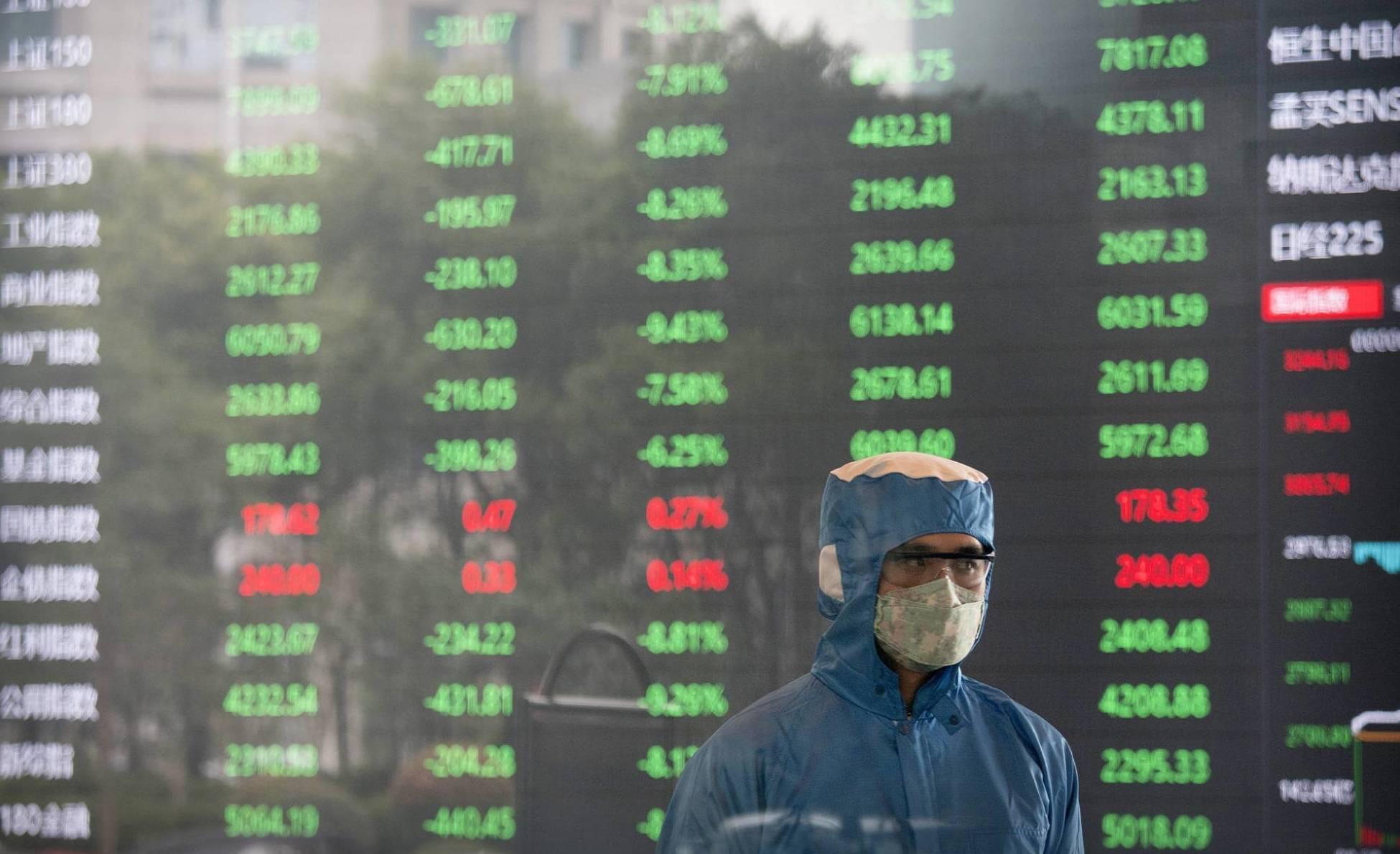 Las Bolsas chinas se desploman en su reapertura por el impacto del coronavirus