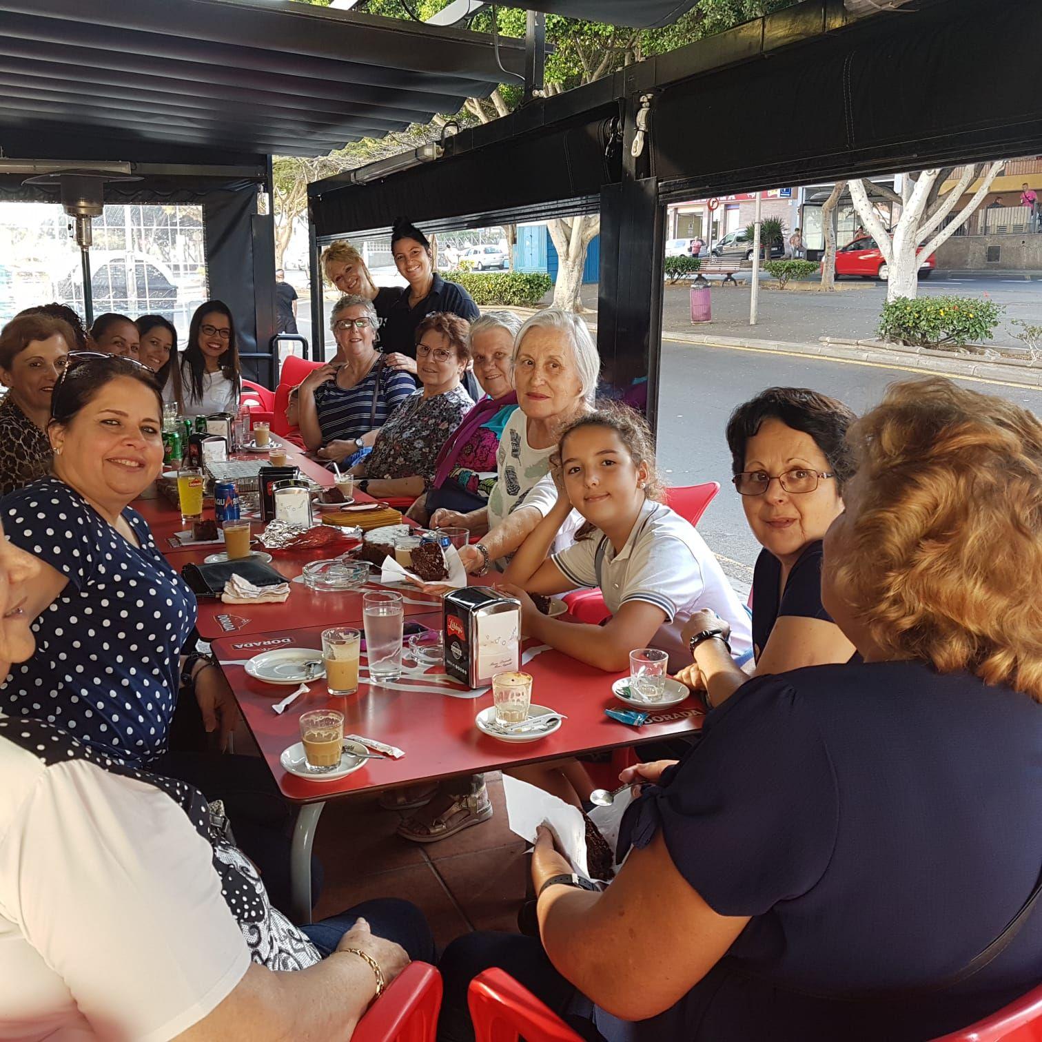 Foto 4 de Churrería  en  | Cafetería  Mortadelo