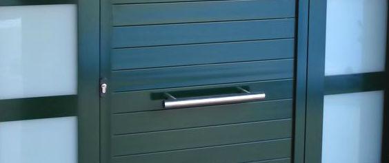 Somos expertos en los mejores acabados de puertas de aluminio en Aldaya