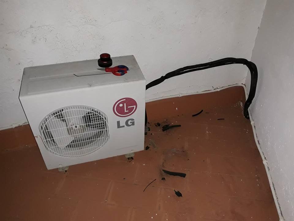 Desplazamiento de equipo de climatización y sustitución por nuevo.