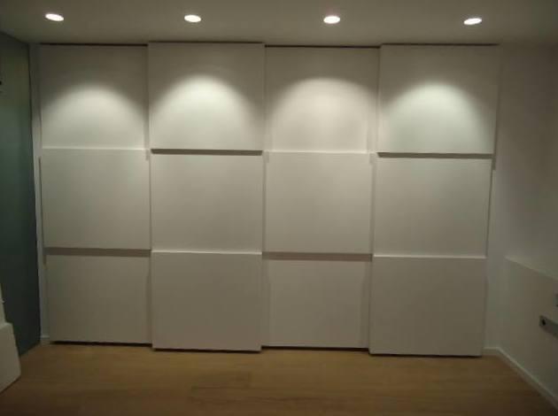 Armarios con puertas correderas: Servicios de Carpintería Quiver, S. L.