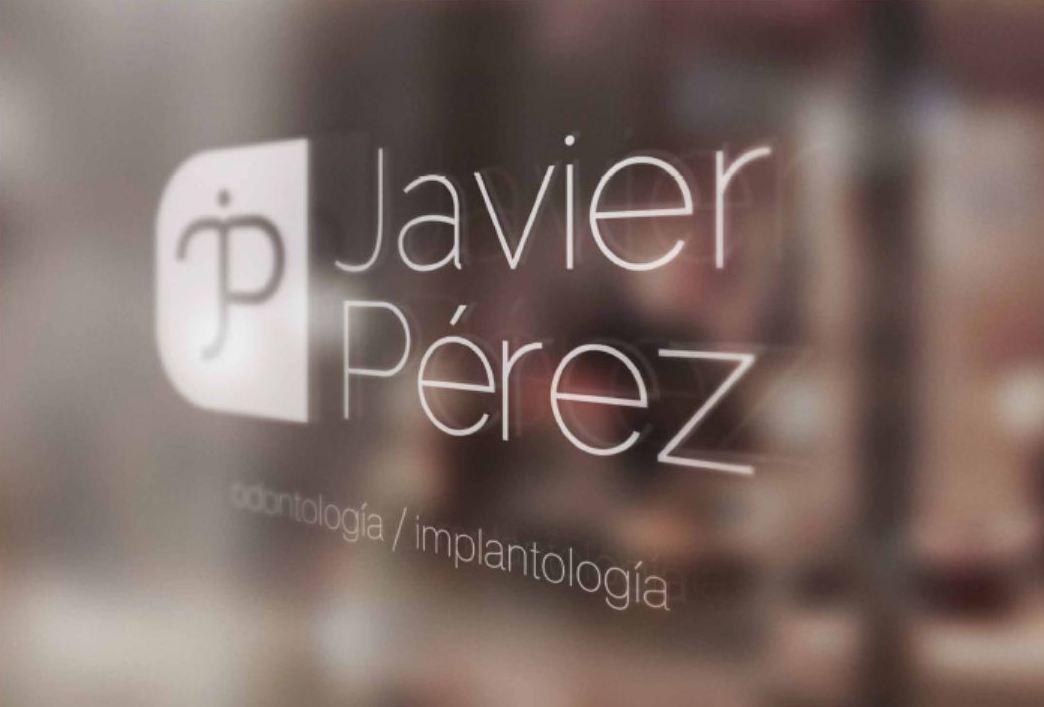 Odontología, implantología en Cádiz
