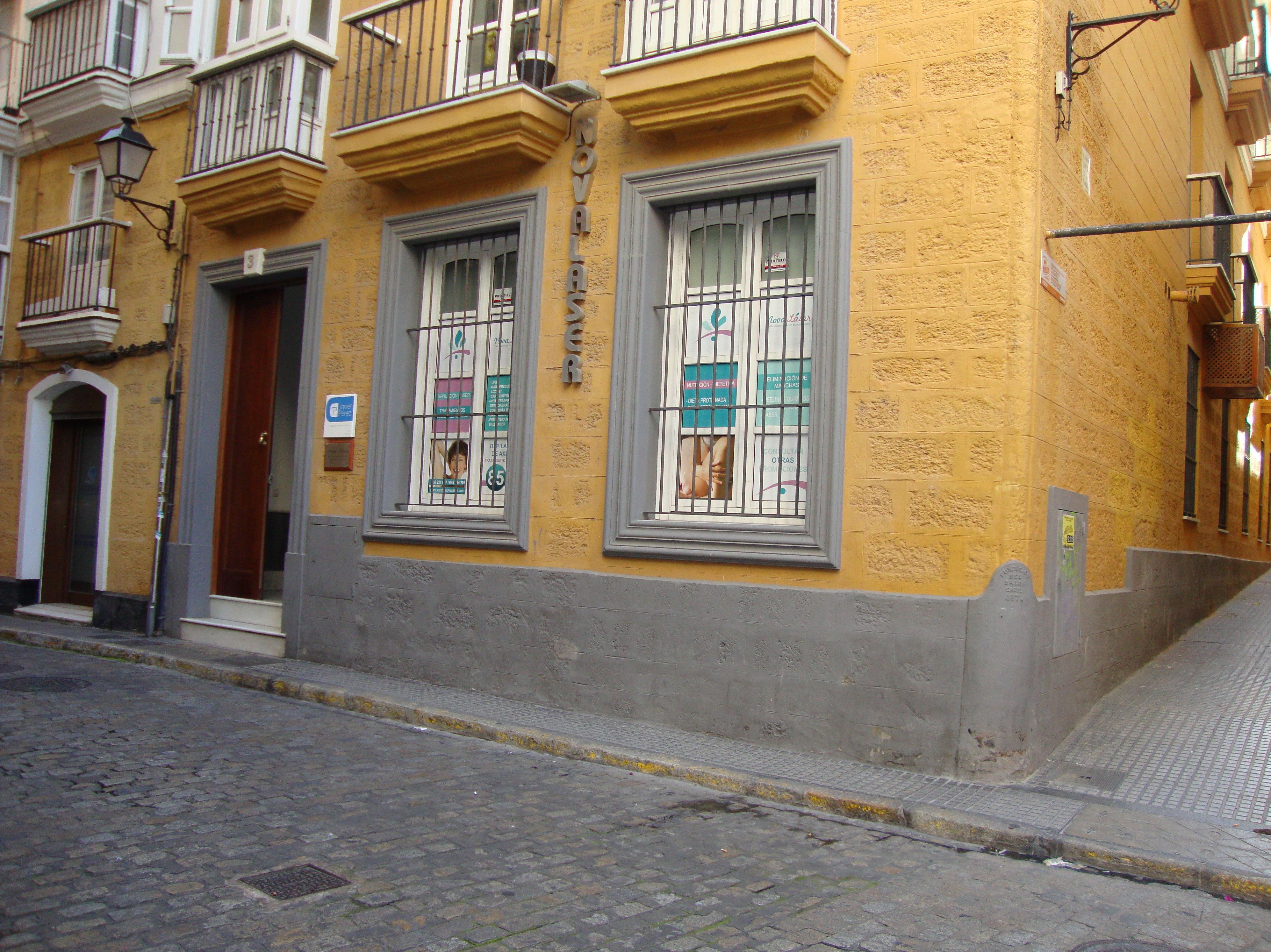 Clínica dental en el centro de Cádiz
