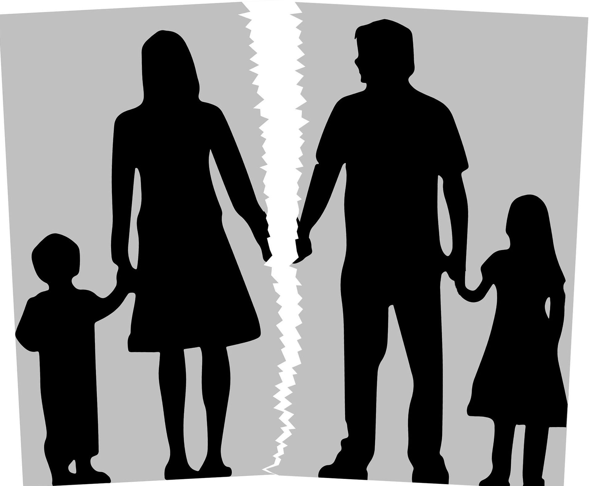¿Cómo se organiza el régimen de visitas cuándo los padres están alejados?