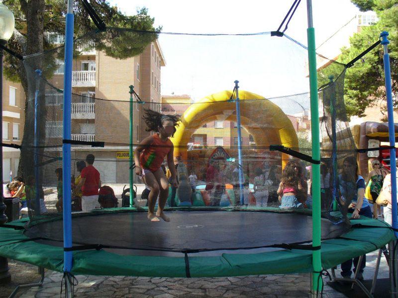 Camas elásticas y todo tipo de atracciones en Murcia