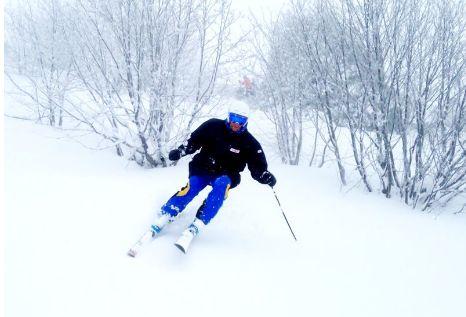 Esquí alpino: Servicios de Escuela Española de Esquí Leitariegos