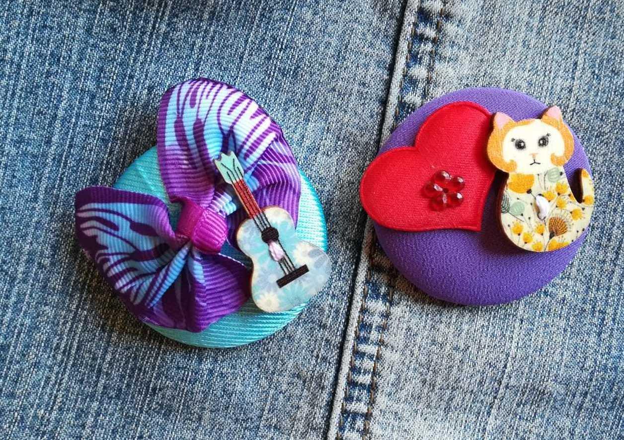 """Broches de Lira """"temáticos"""": la música, los gatos..."""