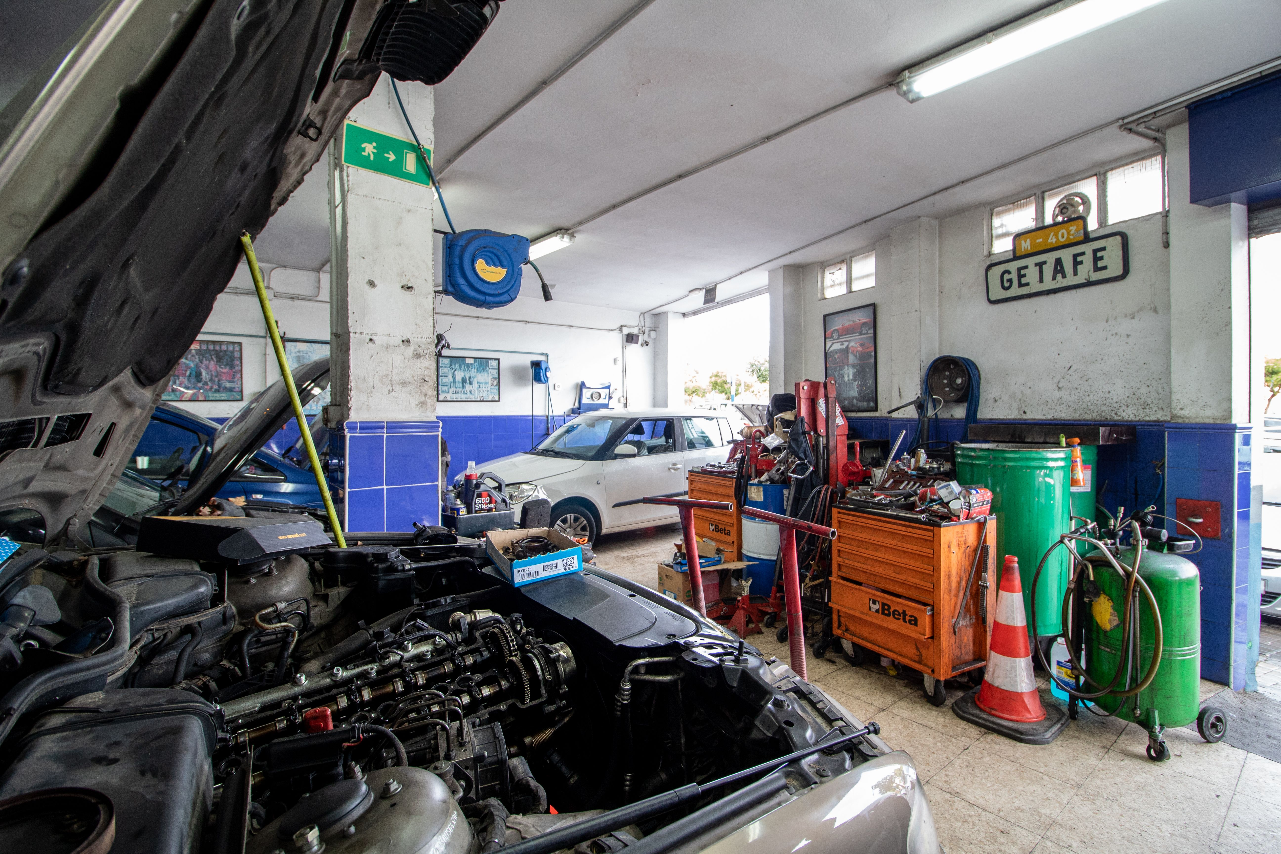 Motor vehículo
