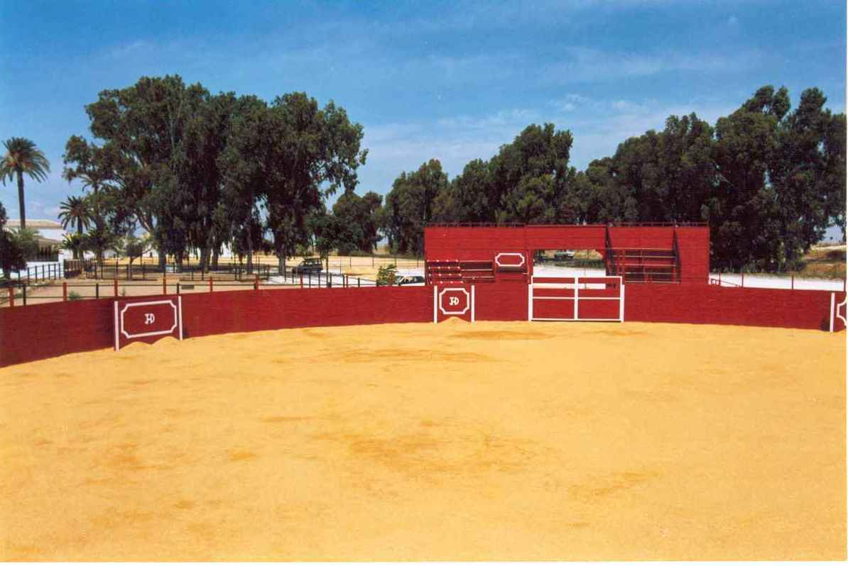 alquiler plaza toros  para capea en fincas y haciendas en  Sevilla