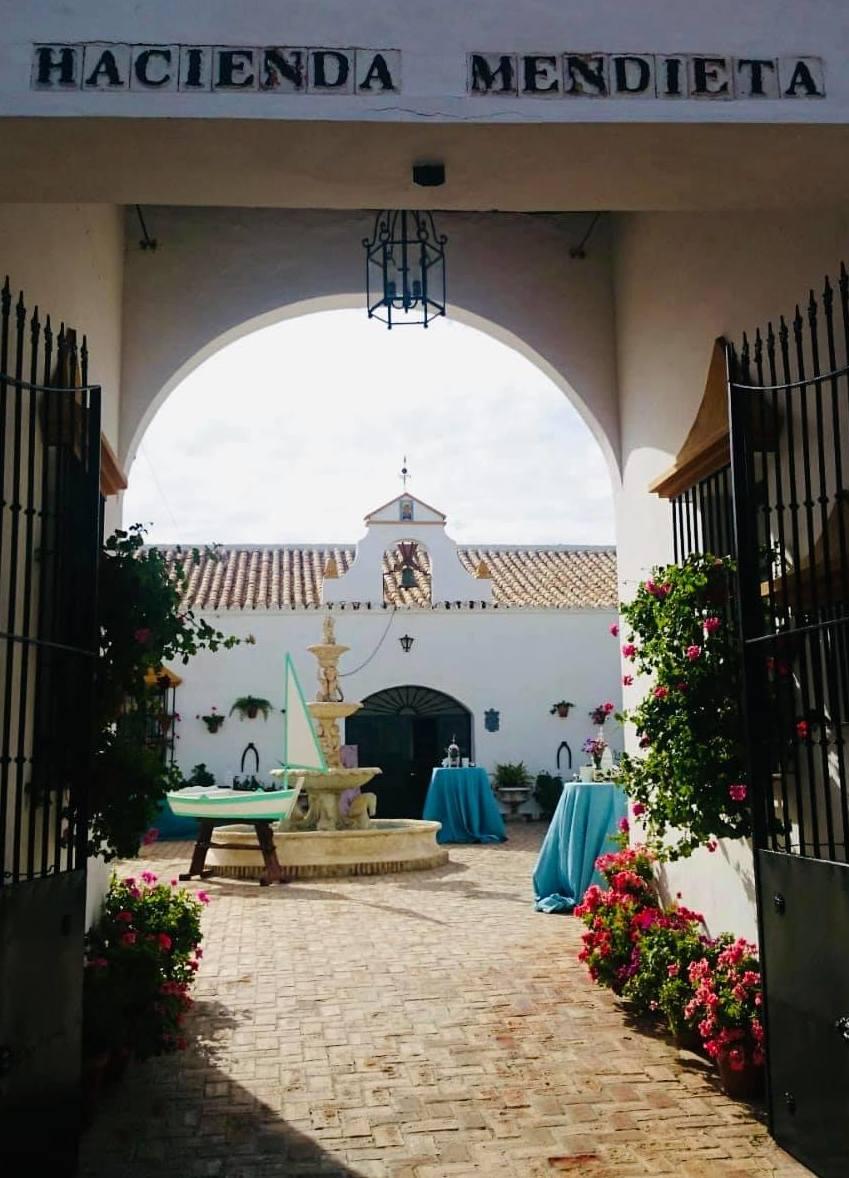 Foto 4 de Celebración de bodas en Alcalá de Guadaíra | Hacienda Mendieta