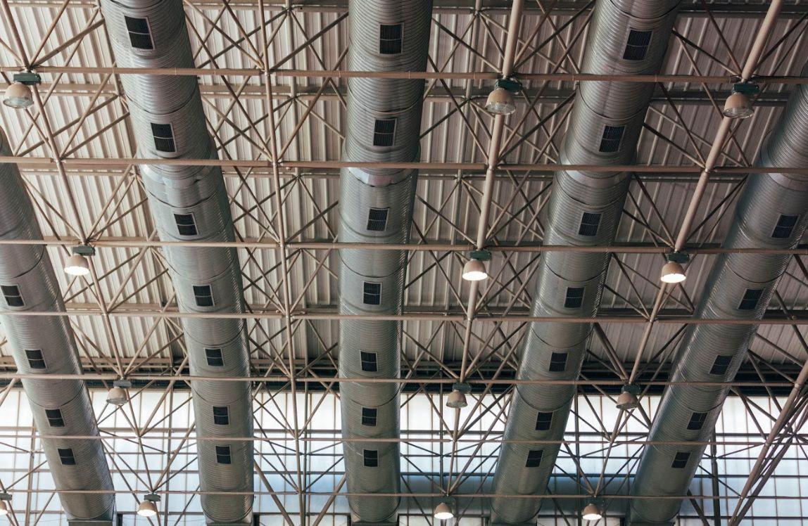 Montaje y reparación de cubiertas: Servicios de BCM Carpintería Metálica