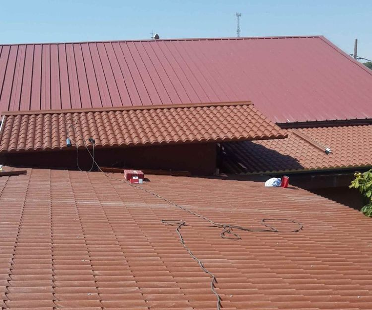 Montaje de cubiertas metálicas en Ávila