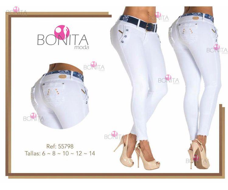 Pantalones vaqueros de color blanco