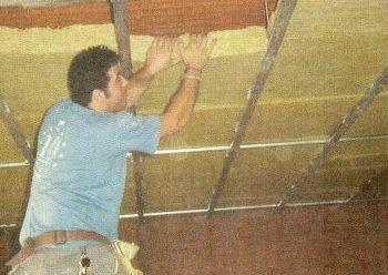Instalación de techo flotante con amortiguadores de caucho