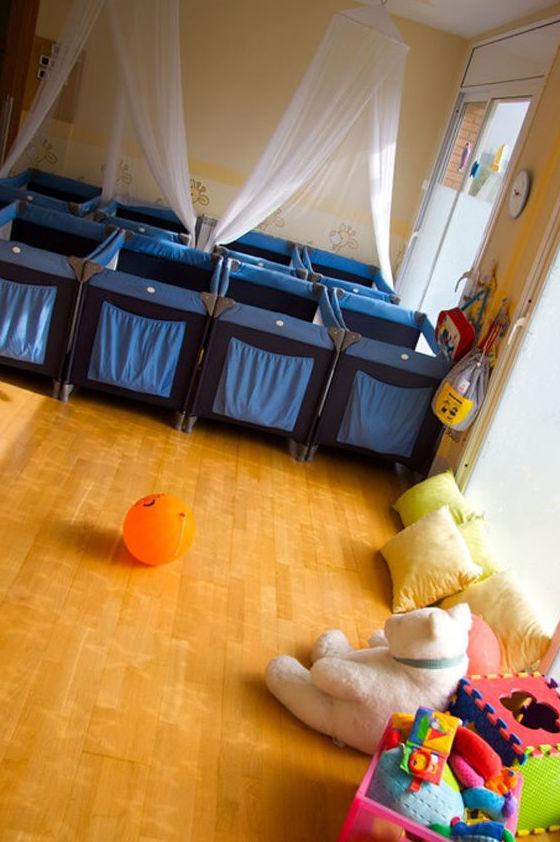 Escuela infantil con cunas para los más pequeños
