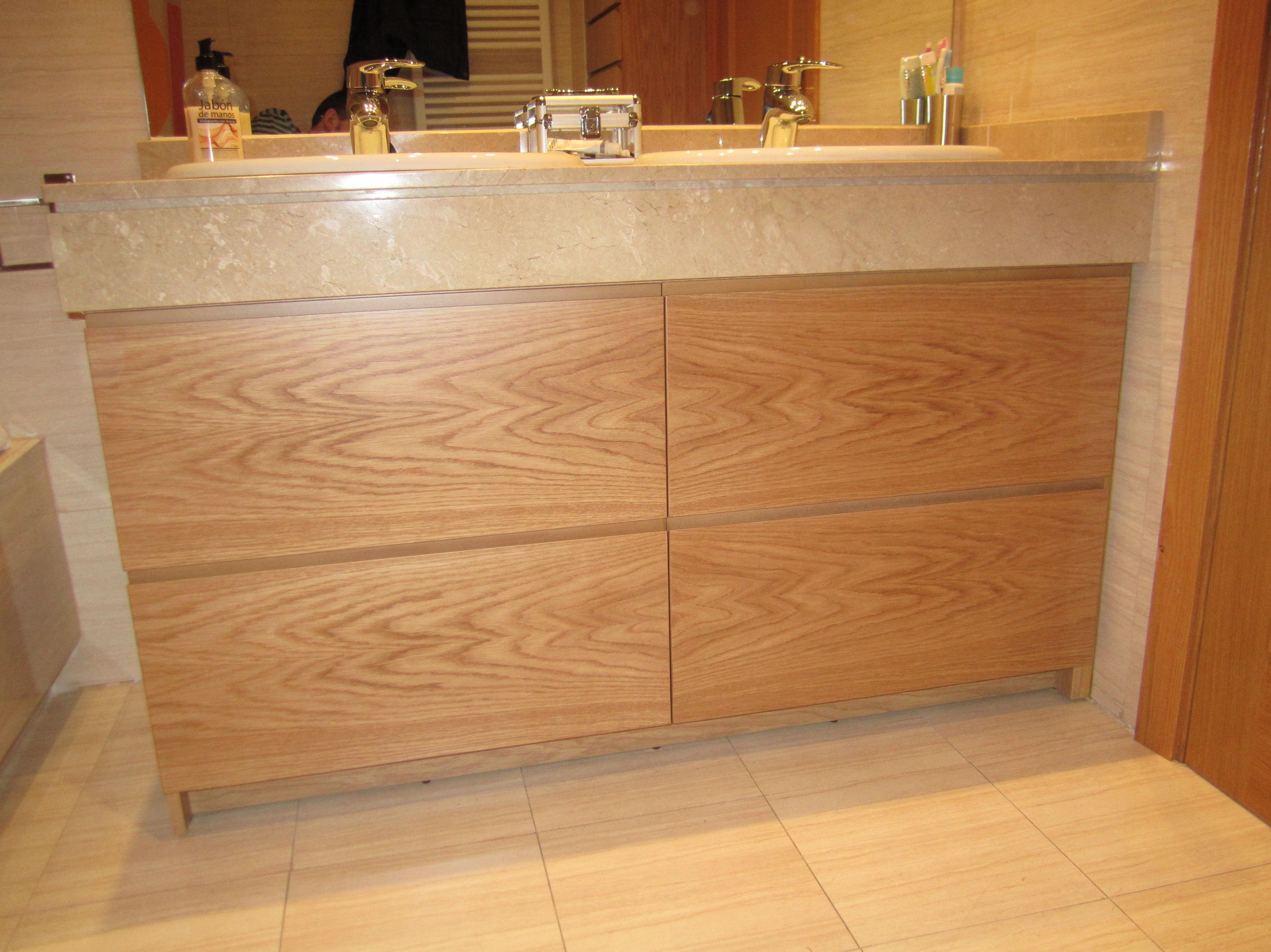 Muebles de madera para el lavabo