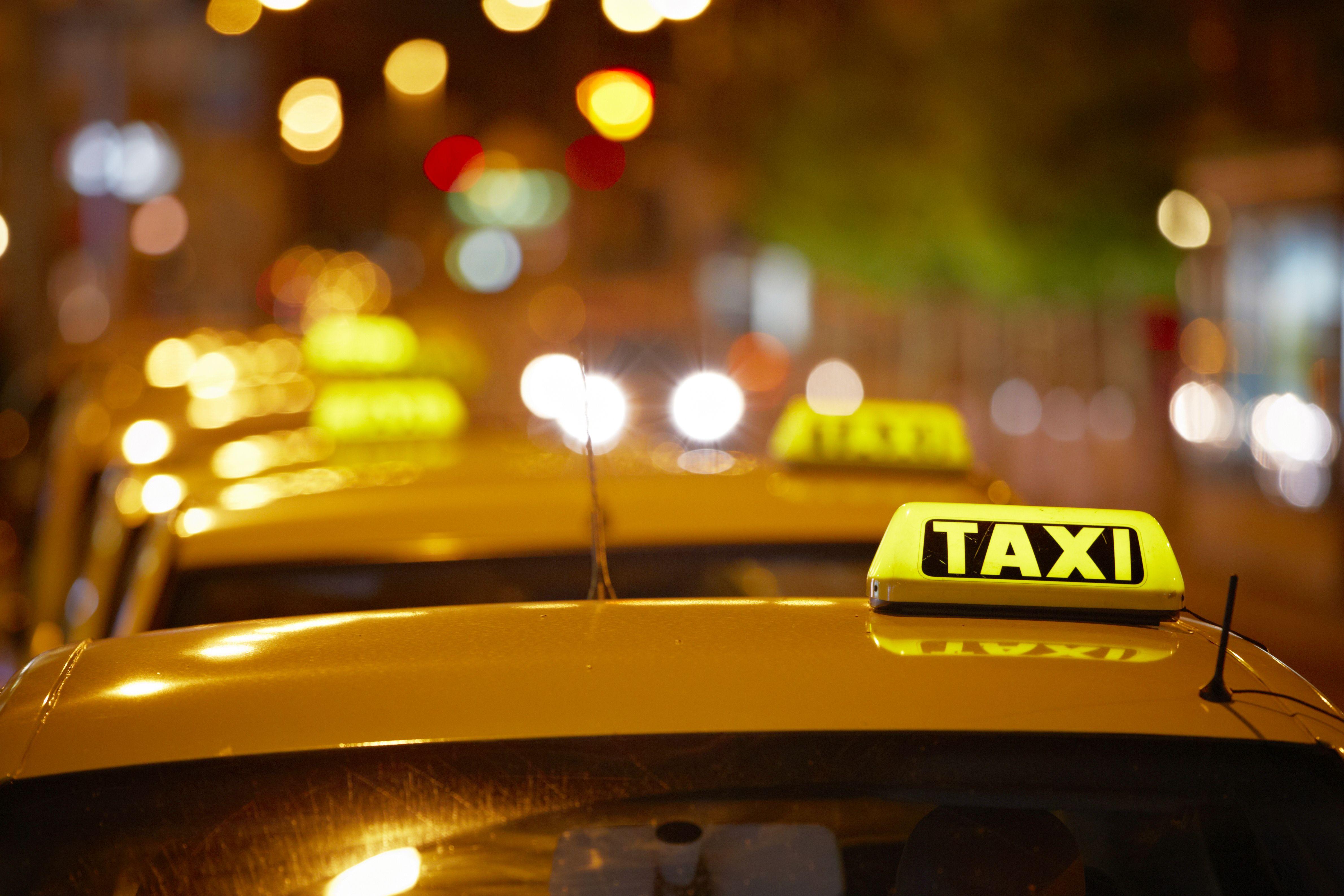 Traslado de pasajeros: Servicios de Taxi T. Molina