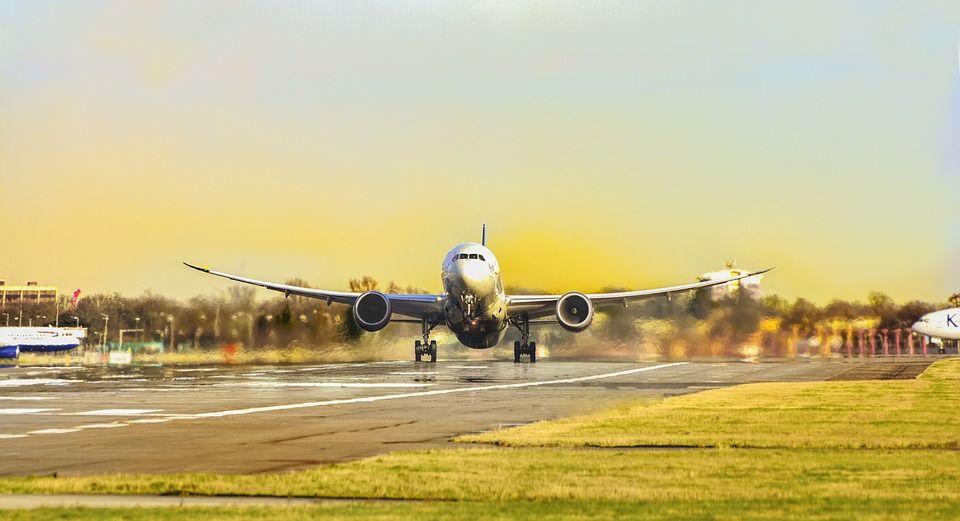 Servicio al aeropuerto: Servicios de Taxi T. Molina