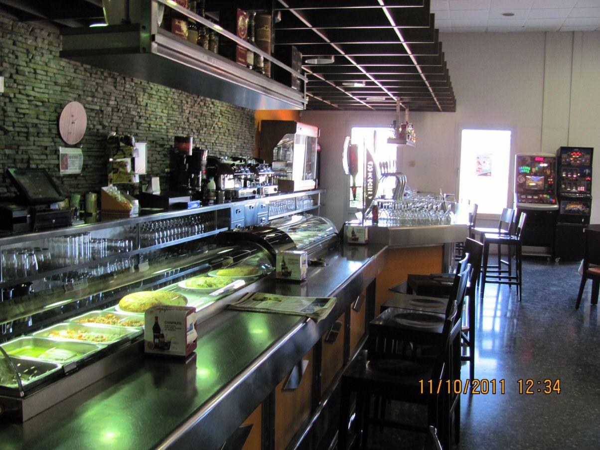 Restaurante con barra para desayunos en Alzira