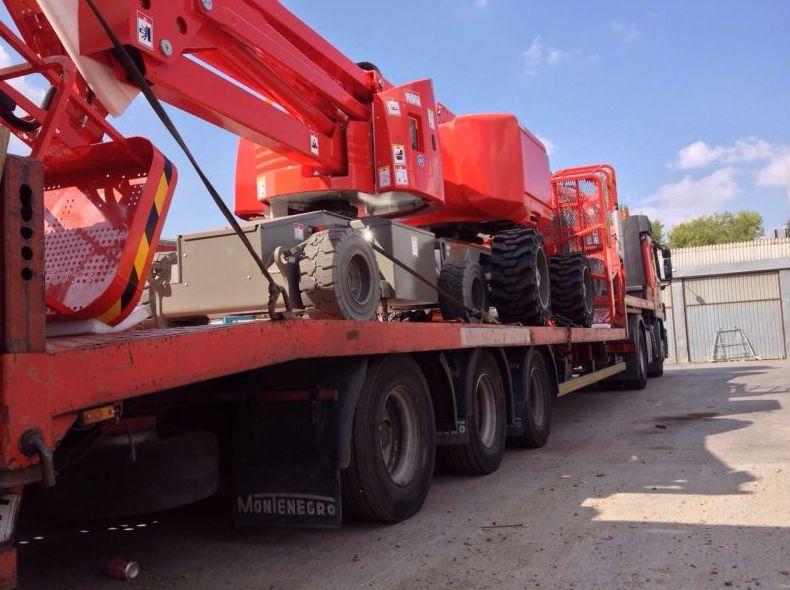 Transporte de maquinaria pesada en Alcorcón