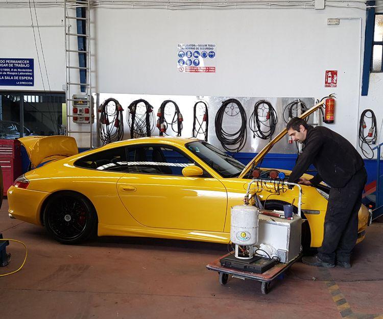 Reparación y carga de aire acondicionado, a todo tipo de vehículo