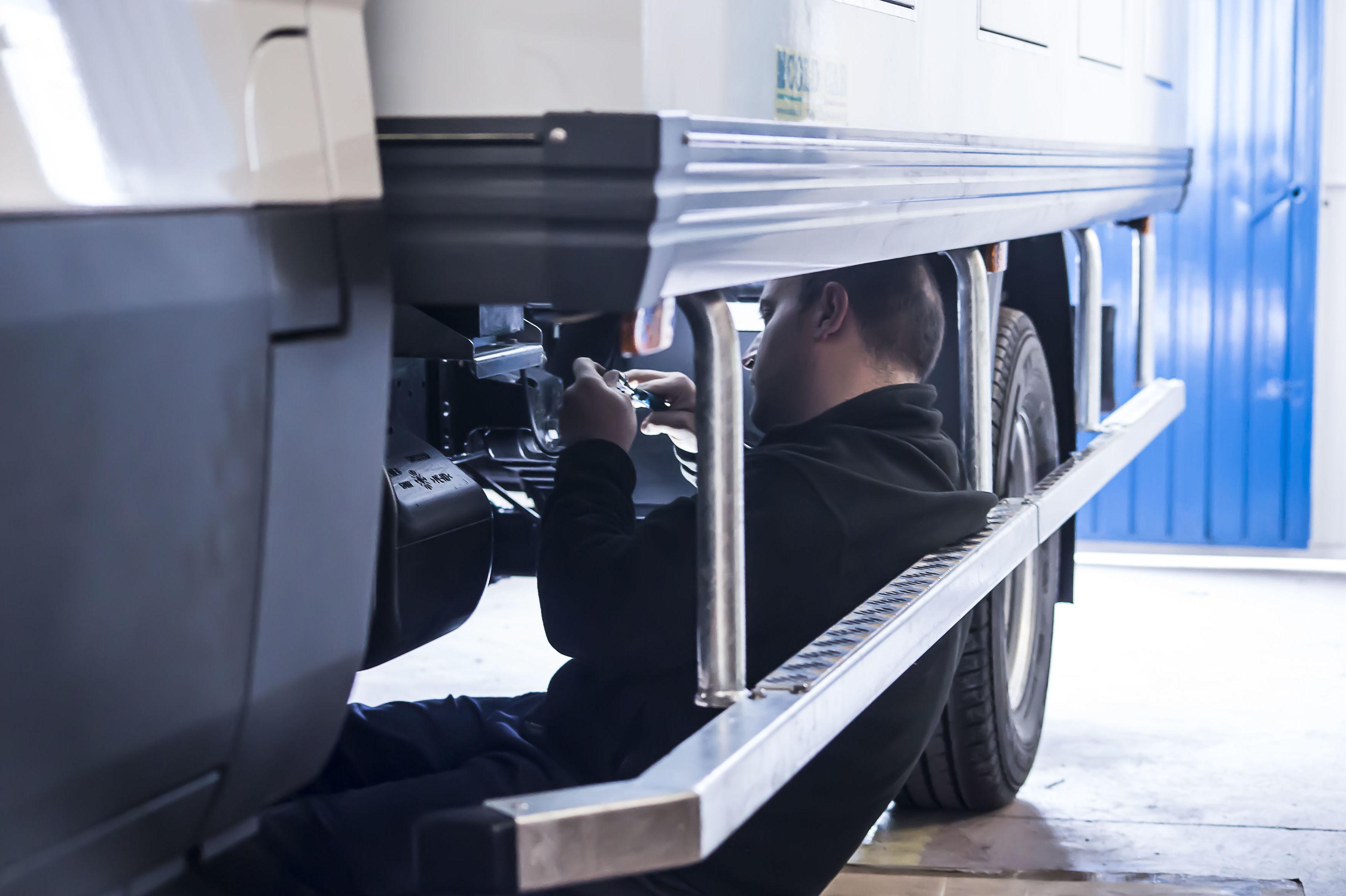 Camión Congelador, para temperaturas a -33ºC. echo a medida. Con todas las homologaciones legales.