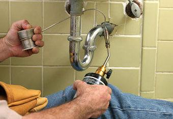 Trabajos de fontanería