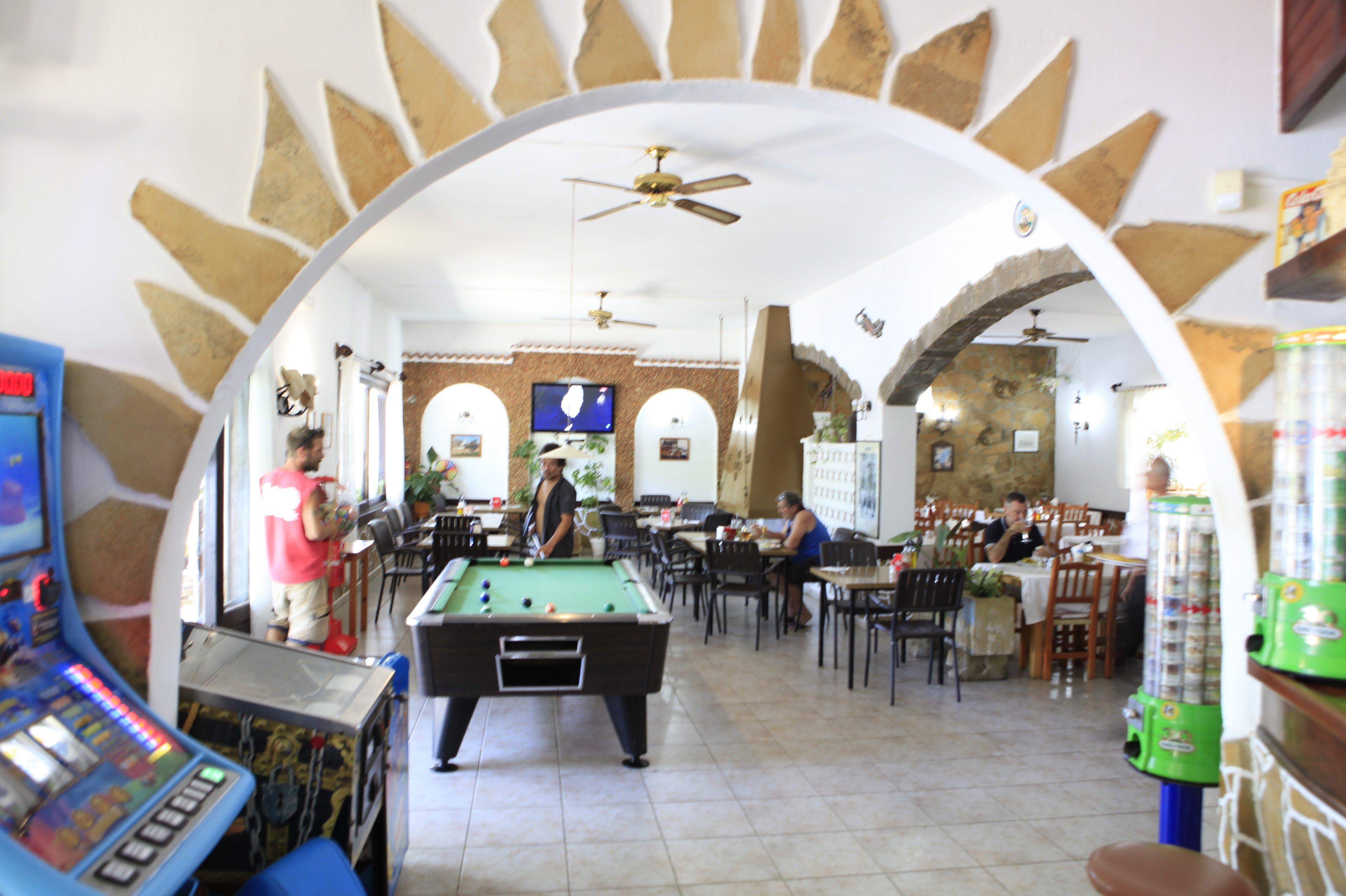 Foto 1 de Bar Restaurante en Sant Joan de Labritja | Restaurante y Hostal     Ses Arcades