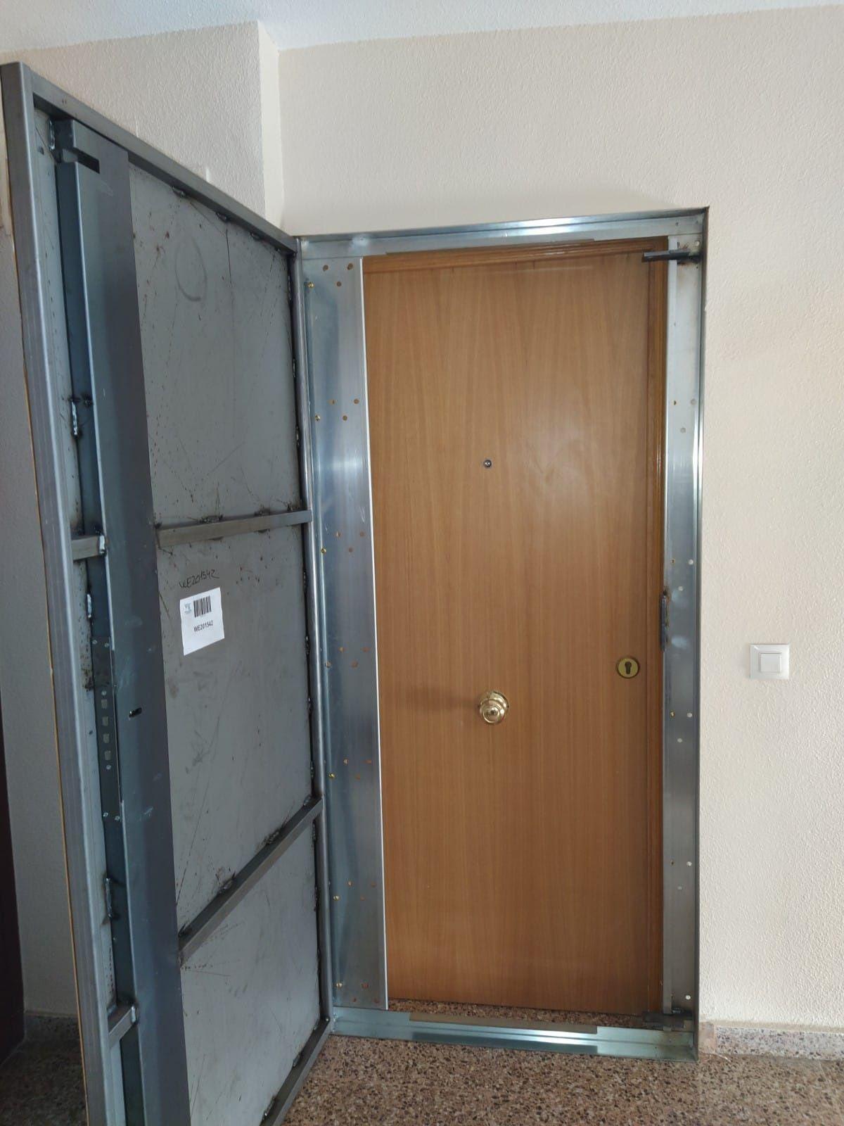 Puertas antiokupas: Servicios de Cerrajero del Barrio