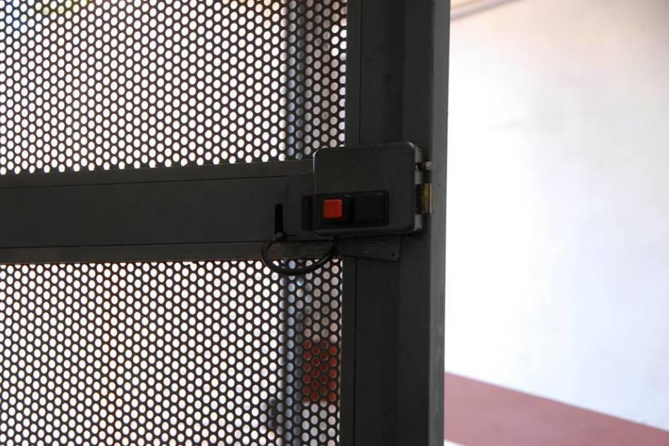 Puertas de garaje: Servicios de Cerrajero del Barrio
