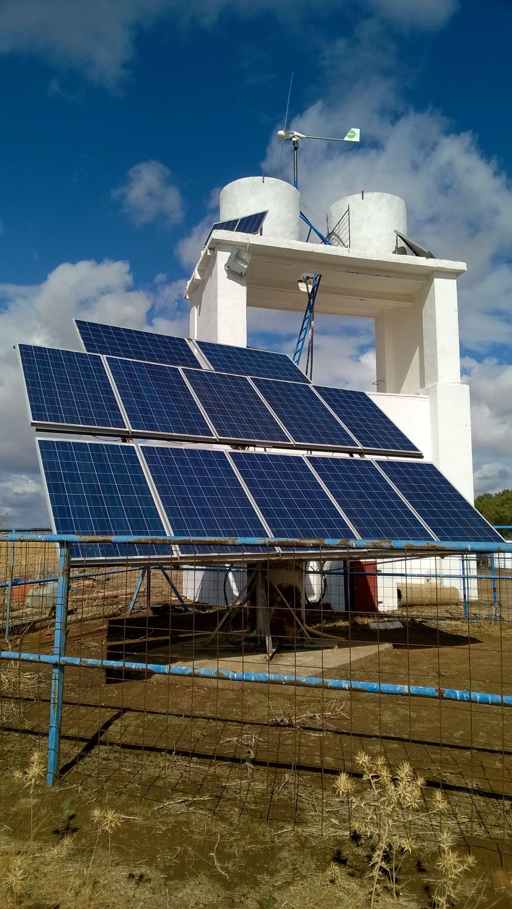Instalacion solar fotovoltaica + eolica