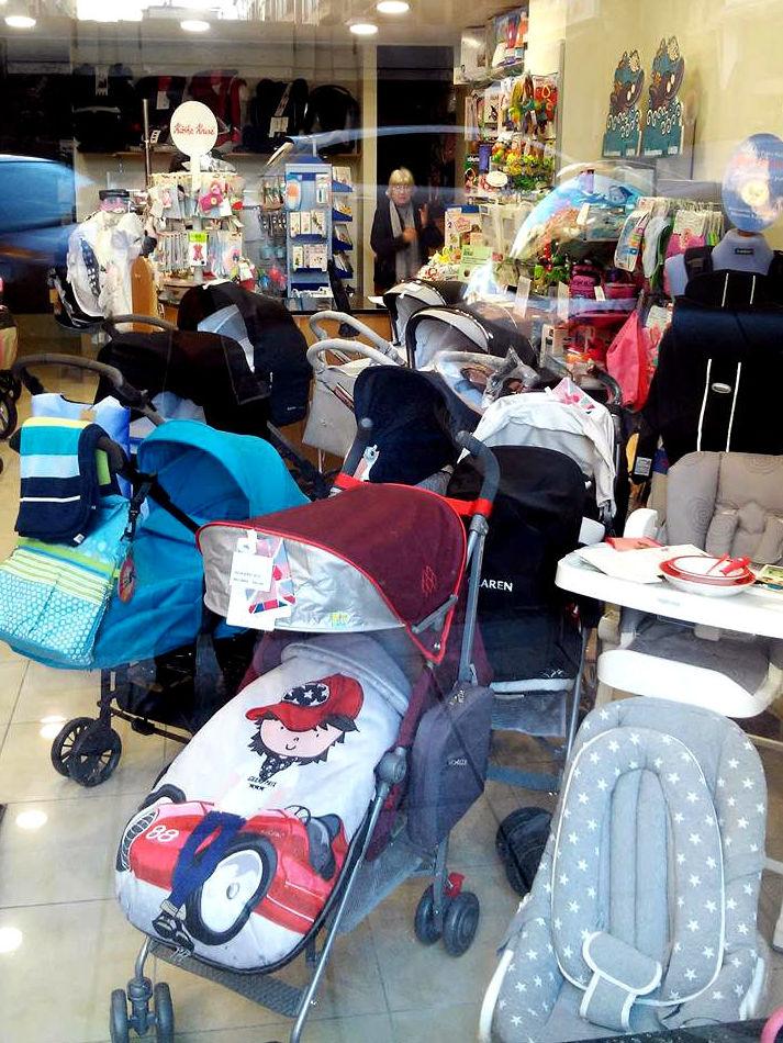 Amplia variedad en sillas y coches de bebé en Santander