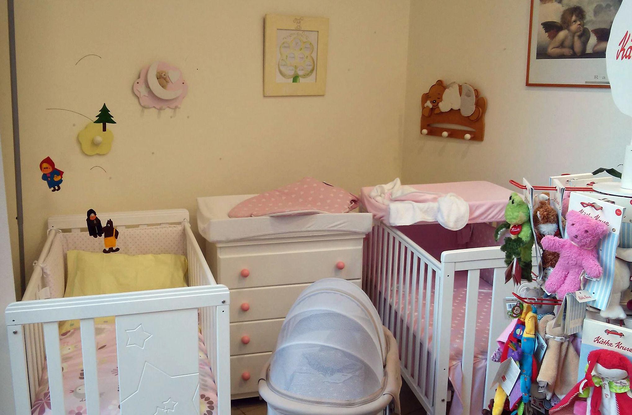 Cunas y mobiliario para habitaciones de bebé