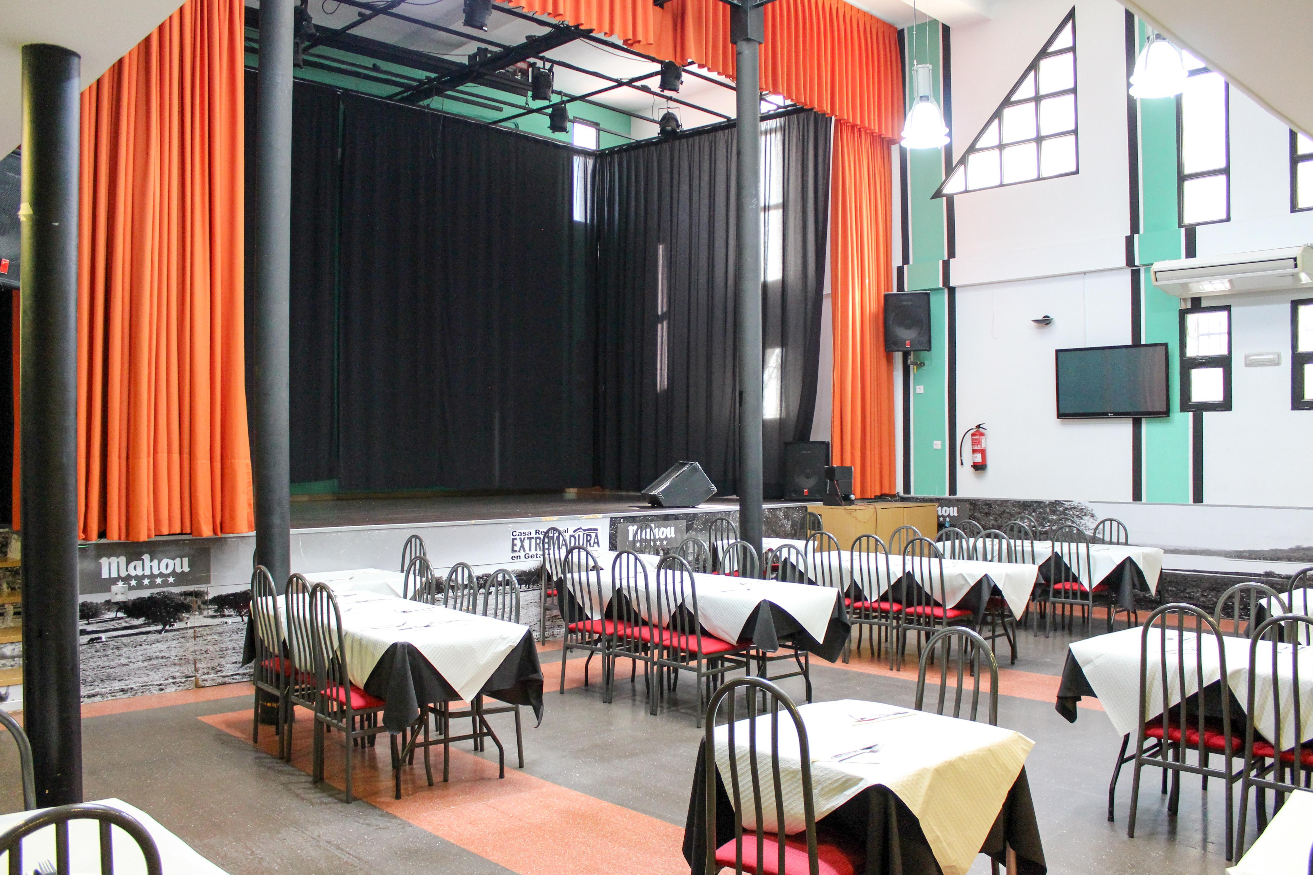 Foto 3 de Amplia variedad de raciones, bocadillos y paletos en Getafe | Restaurante Casa Extremadura