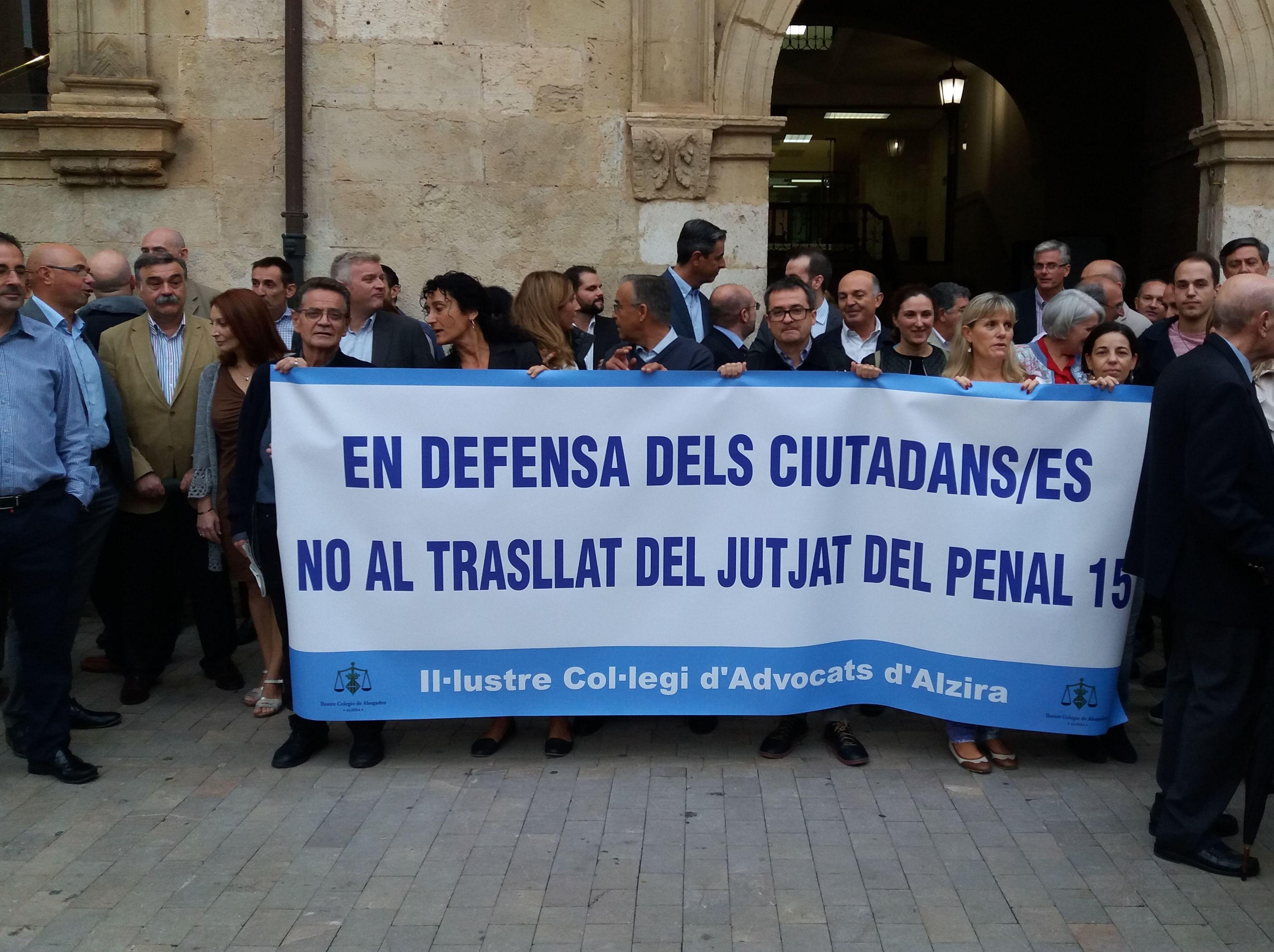Concentracion contra Traslado Juzgado Penal 15 a la ciudad de Valencia...perdemos todos!!!