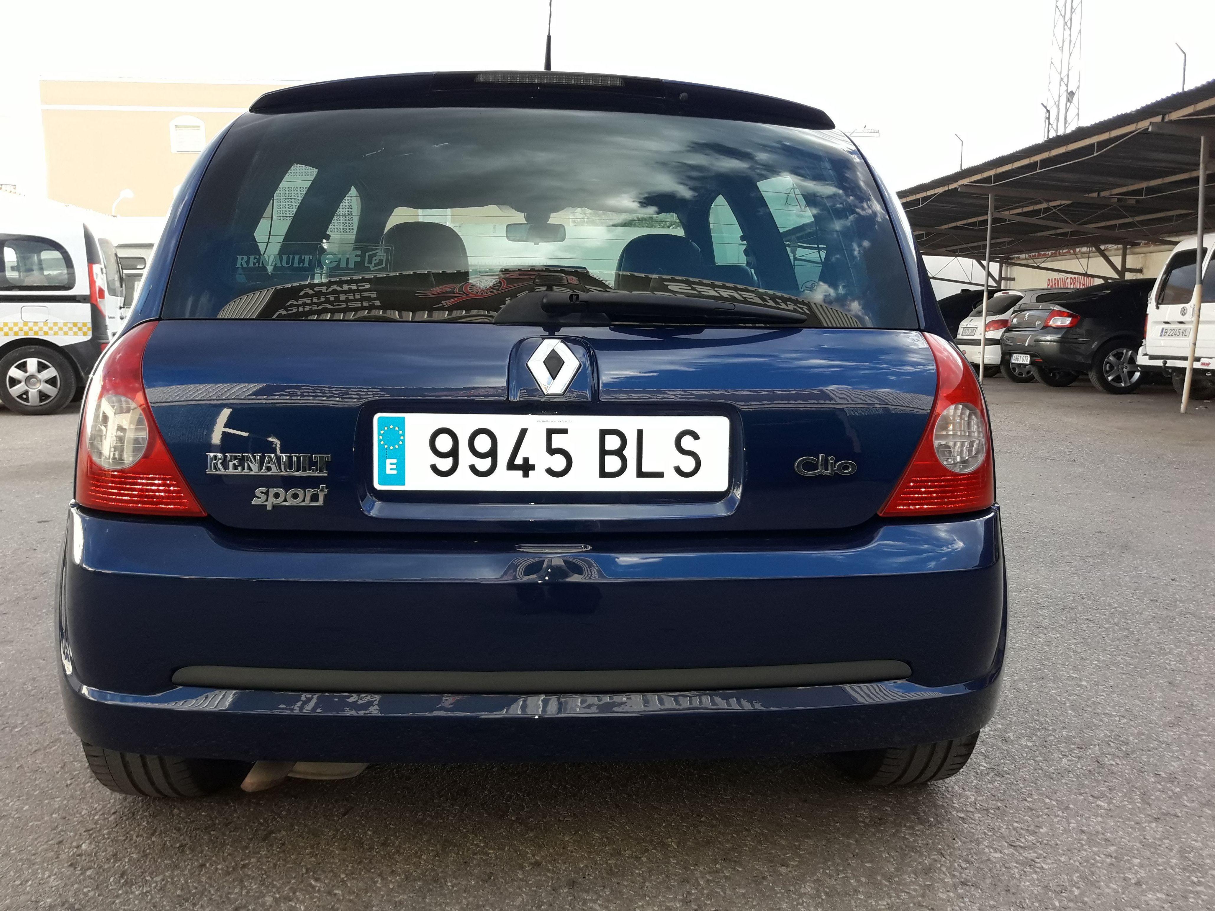 Foto 2 de Taller especializado en chapa y pintura, mecánica rápida y reparación integral de vehículos. en Vera | Talleres Jerez Torres S.L.