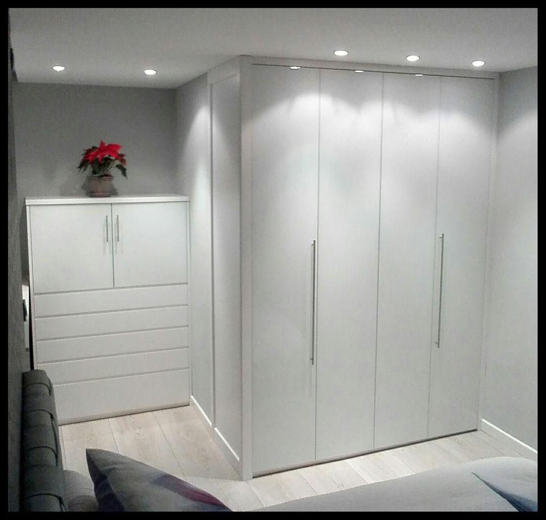 Armarios lacados en blanco for Armario de dormitorio blanco barato