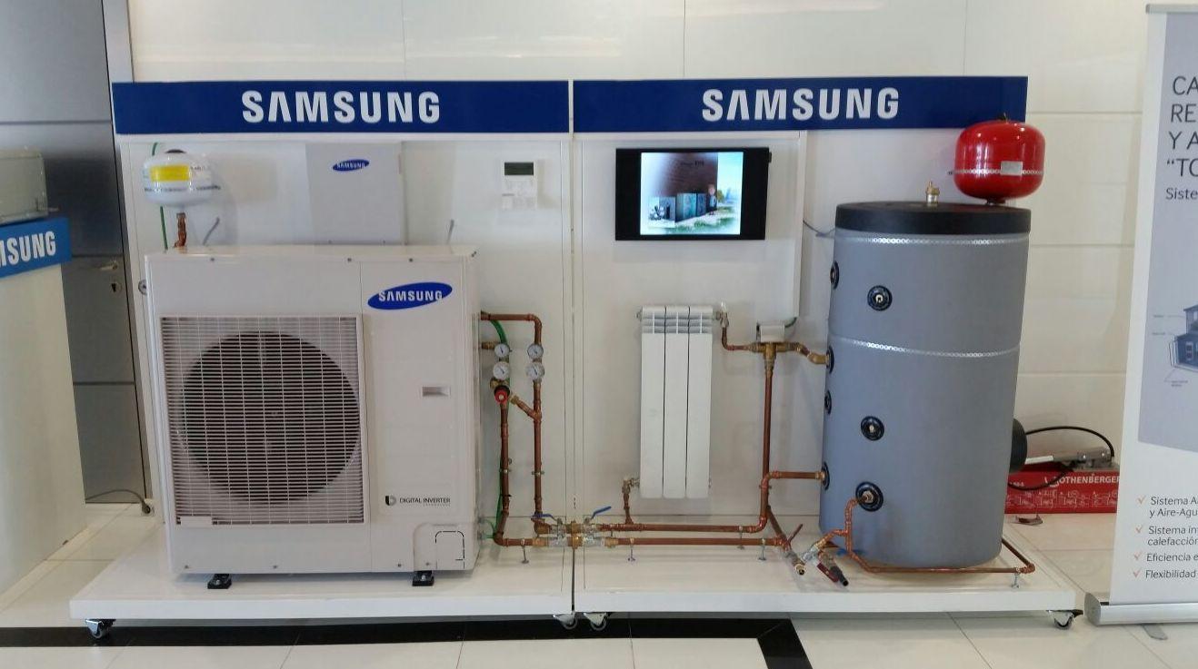 imagen  de  Sistema simple  de aerotermia    de  Samsung  en   presentación comercial