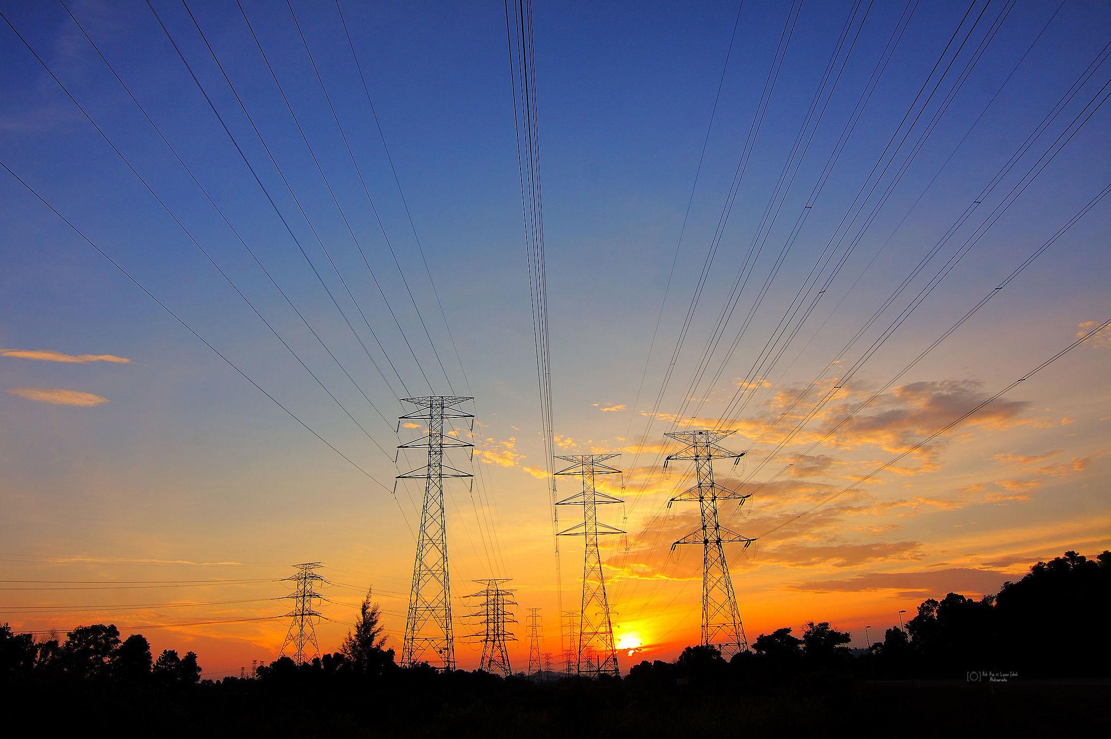 Damos  solución  a  tus  proyectos  de electricidad