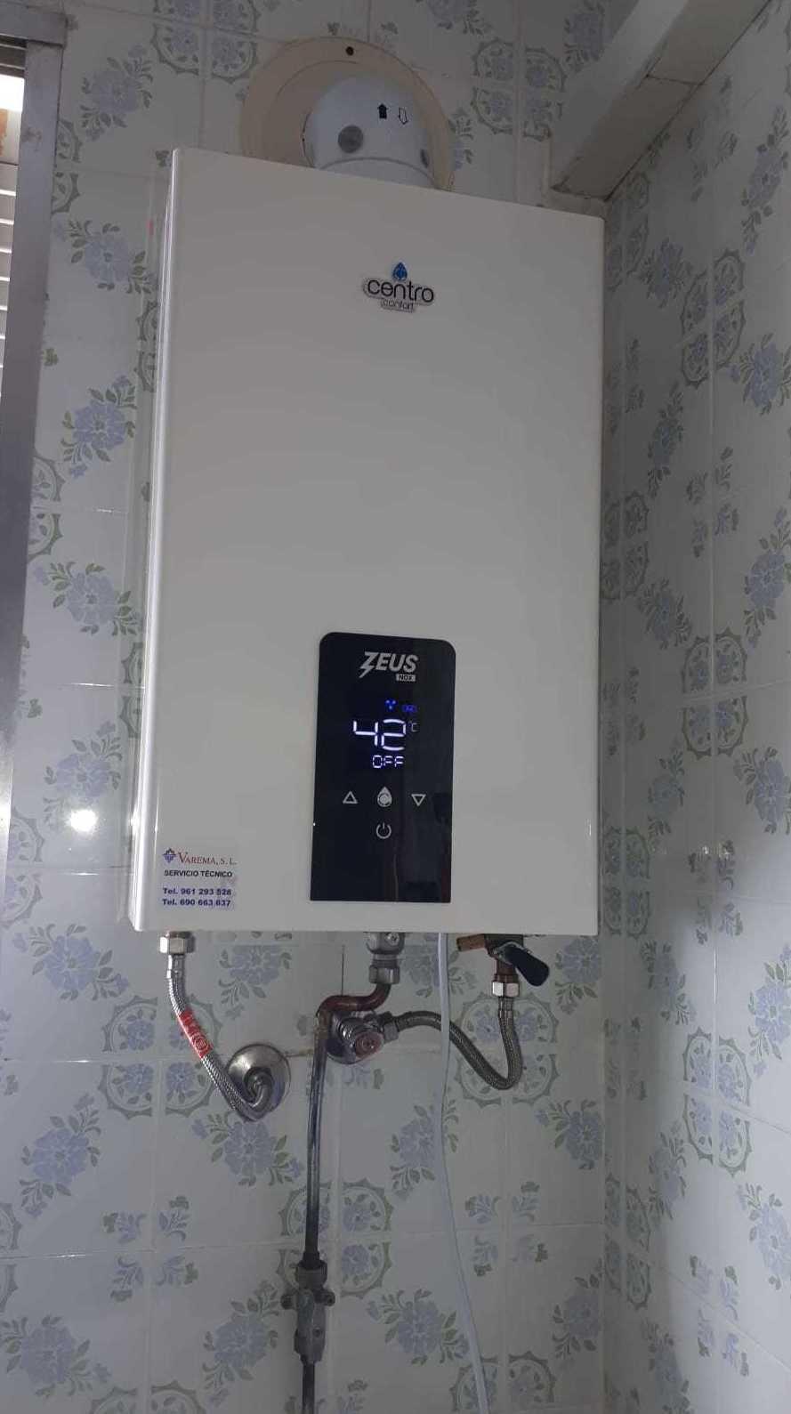 sustitución de calentador  por el  modelo Zeus  de Centro Confort